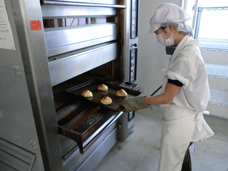 製パン作業